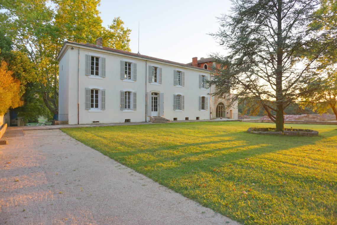 Sept19LaCastelette-facade-1-e1573142944116
